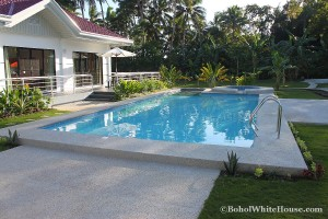 Bohol White House In Lila041