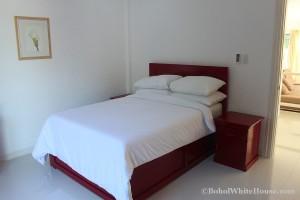 Bohol White House In Lila053