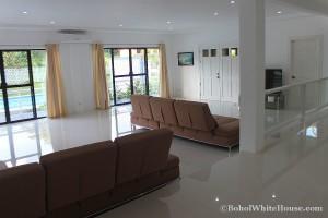 Bohol White House In Lila061