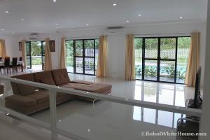 Bohol White House In Lila062