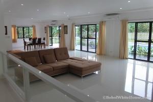 Bohol White House In Lila063