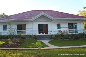 Bohol White House In Lila069