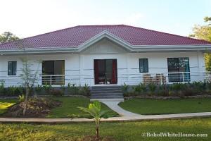 Bohol White House In Lila069