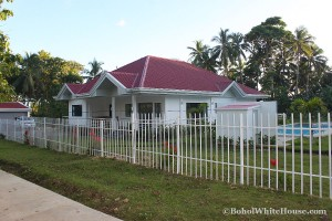 Bohol White House In Lila078