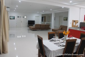 Bohol White House In Lila100